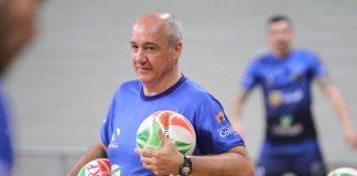 Marcos Pacheco dando treino (Foto: FL Piton/Prefeitura de Ribeirão Preto)