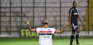 Micael comemora gol contra a Ponte Preta (Foto: Rogério Moroti/Agência Botafogo)